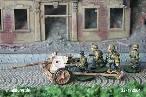 German 75 mm PaK 40 Anti-Tank Gun, 1:72 Model Kit Revell 03150