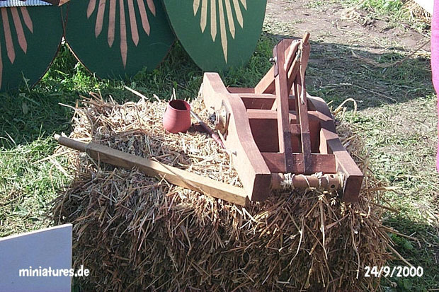 Working model of the Roman Onager catapult
