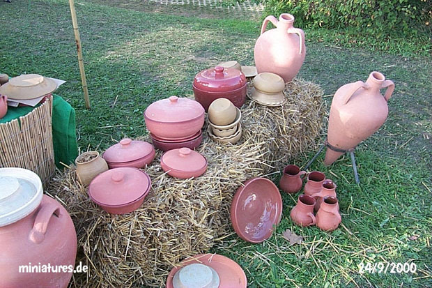 Roman amphores and food storage containers