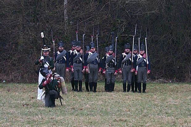 Freiwillige Jäger volunteer light infantry skirmishing in front of the Leib-Regiment
