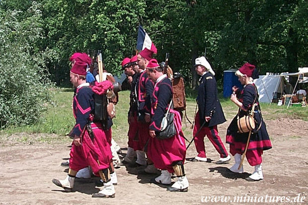 Union Zouaves marching