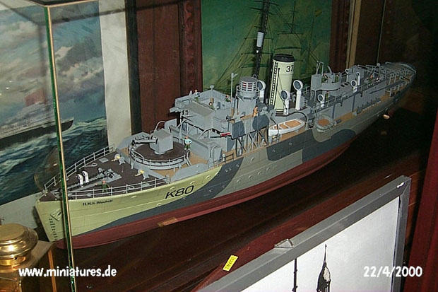 Flower Class Corvette, H.M.S. Bluebell, 1:72 Model Kit Revell 05179