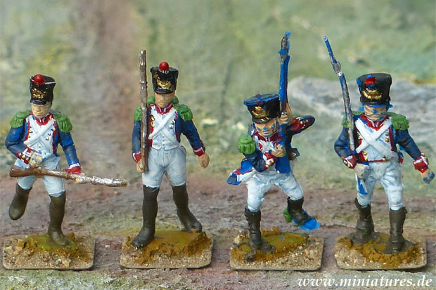 Airfix and ESCI French fusiliers with epaulettes made of »Green Stuff«, now serving as Grenadiers and Voltigeurs.