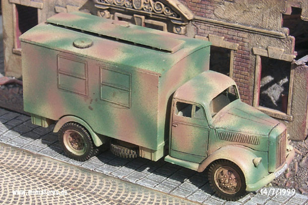 German Opel Blitz Truck Type 3.6-36 S with House-Type Body, 1:72 Model ESCI 8342