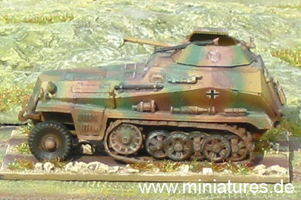 German Sd.Kfz. 250/9 Armoured Reconnaissance Vehicle with 20 mm Cannon, 1:72 Model Kit ESCI 8371