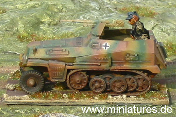 German Sd.Kfz. 250/10 Armoured Personnel Carrier with 37 mm PaK Anti-Tank Gun, 1:72 Model Kit ESCI 8373
