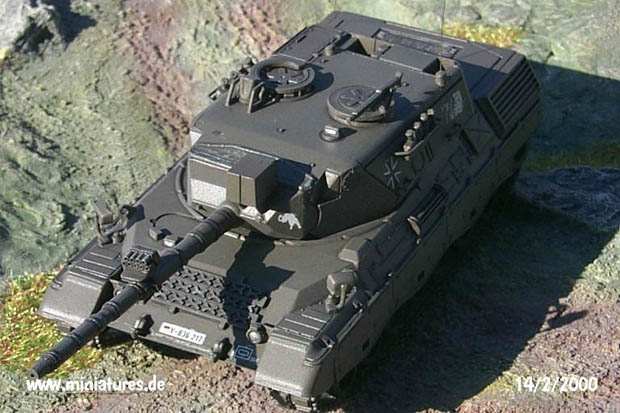 German Bundeswehr Leopard 1.A4 Main Battle Tank, 1:72 Model Kit ESCI 8302