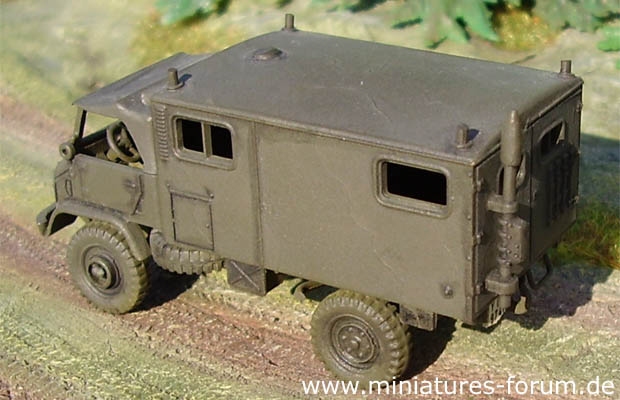 German Bundeswehr Truck Unimog S 404 B with House-Type Body, 1:87 H0 Model Kit ROCO 24