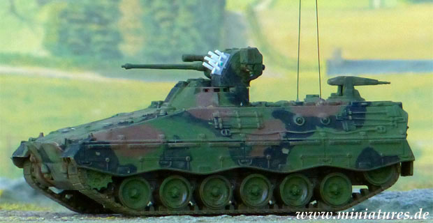 Smoke grenade dischargers on a German Marder infantry fighting vehicle, 1:87 ROCO 262